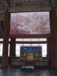 Gyeongbokgung-Palast Seoul Tron mit Drachenbildnis