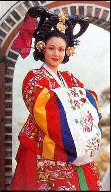 Hanbok.jpg (28867 Byte)